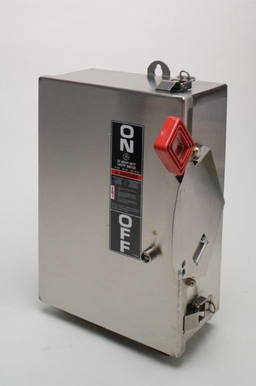 GE Industrial Solutions THN3362SS 3-Pole 60 Amp 600 Volt NEMA 4/4X Heavy Duty Non-Fusible Safety Switch