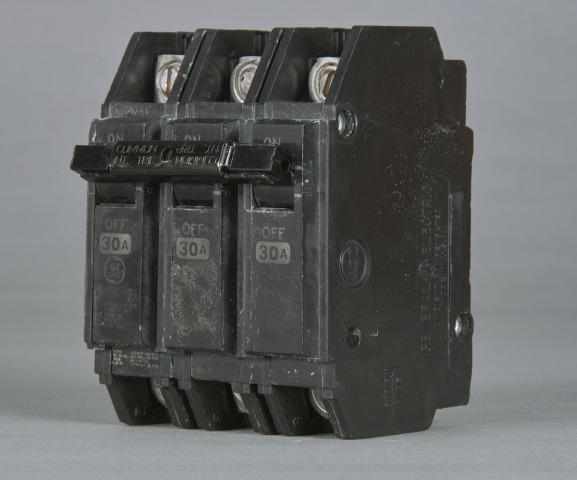 GE THQC32040WL 3P 40A 240V CB