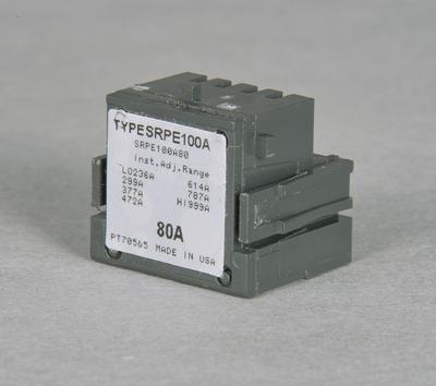 GE,SRPF250A200,General Electric SRPF250A200 Rating Plug, Model SR, 600 VAC, 200 AMP, Contact Rating: 600V, 200 AMP, Interrupt Rating: 250 AMP, 3 Pole, F Frame, Electronic Trip, Trip Range: 590 to 2000 AMP, Bolt-on Connection