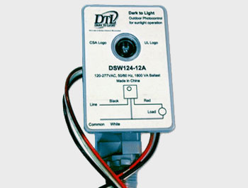 Dark To Light,DSW124 12A U,Lithonia Lighting® DSW Electronic Wire-In Photocontrol, 105 to 305 VAC, 1000 VA Ballast, Wall Mount